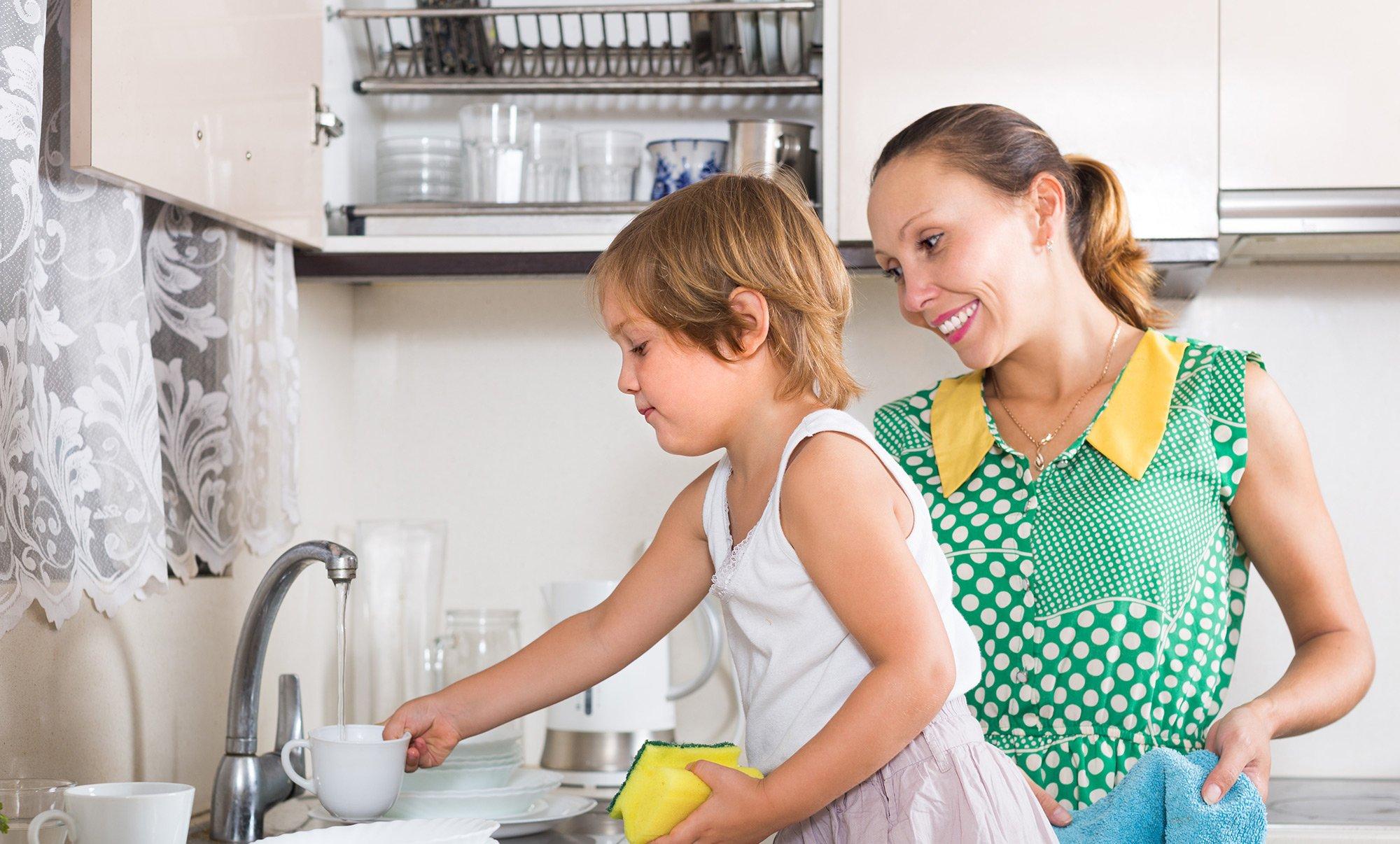 С мамкой на кухне, Мама и сын на кухне - смотреть порно онлайн или скачать 7 фотография